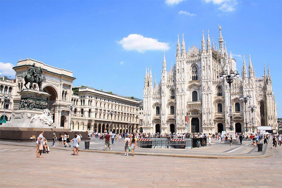 Milano_Piazza_del_Duomo1